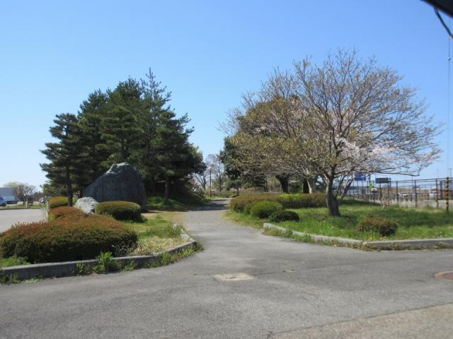 亀田総合運動公園 約1.2㎞(車3分)